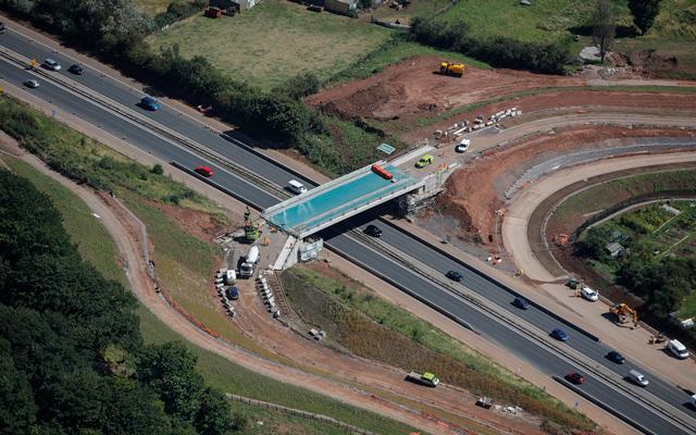 metrobus-m32-bridge-092016-feat